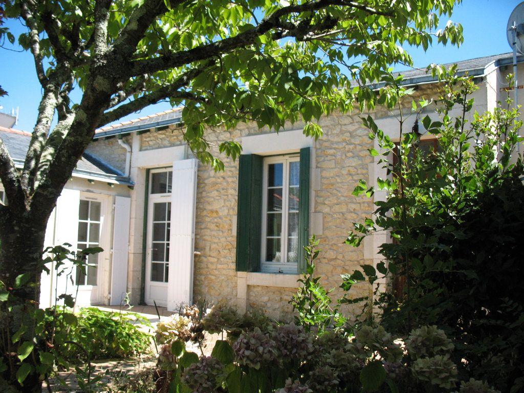 Maison à vendre 4 78m2 à Saujon vignette-8