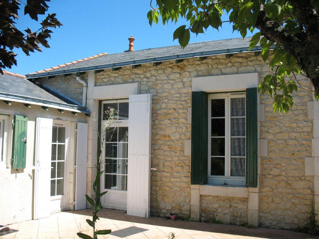 Maison à vendre 4 78m2 à Saujon vignette-10