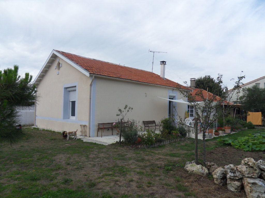 Maison à vendre 4 115m2 à Bourcefranc-le-Chapus vignette-1