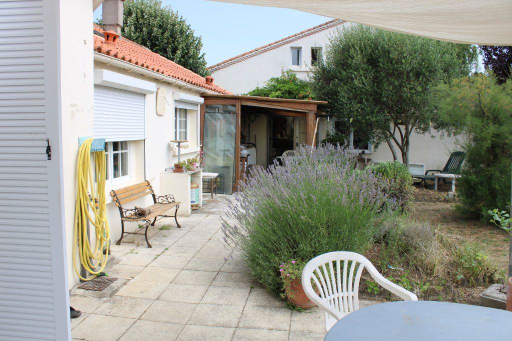 Maison à vendre 4 115m2 à Bourcefranc-le-Chapus vignette-2