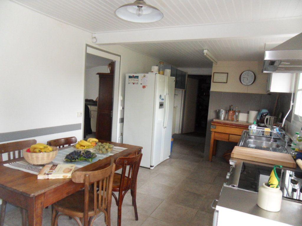 Maison à vendre 4 115m2 à Bourcefranc-le-Chapus vignette-7