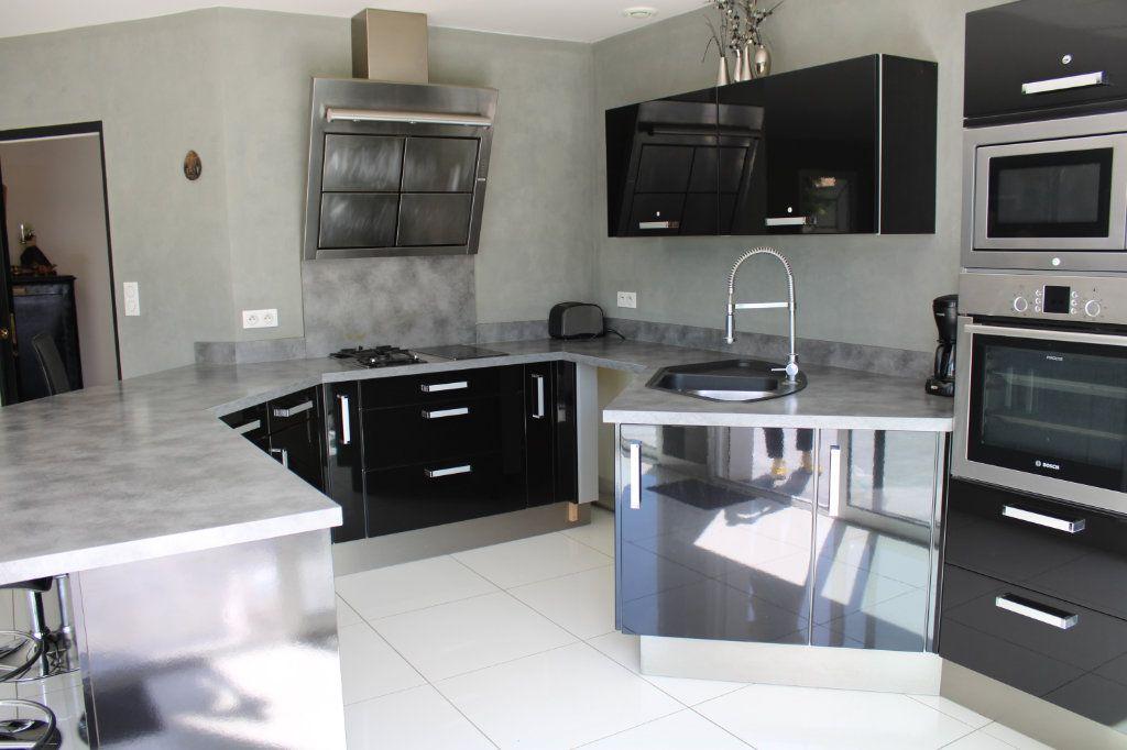 Maison à vendre 4 128m2 à Bourcefranc-le-Chapus vignette-3
