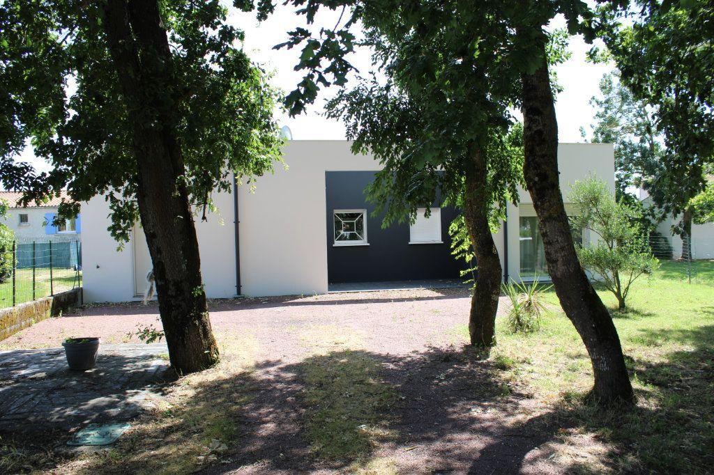 Maison à vendre 4 128m2 à Bourcefranc-le-Chapus vignette-6