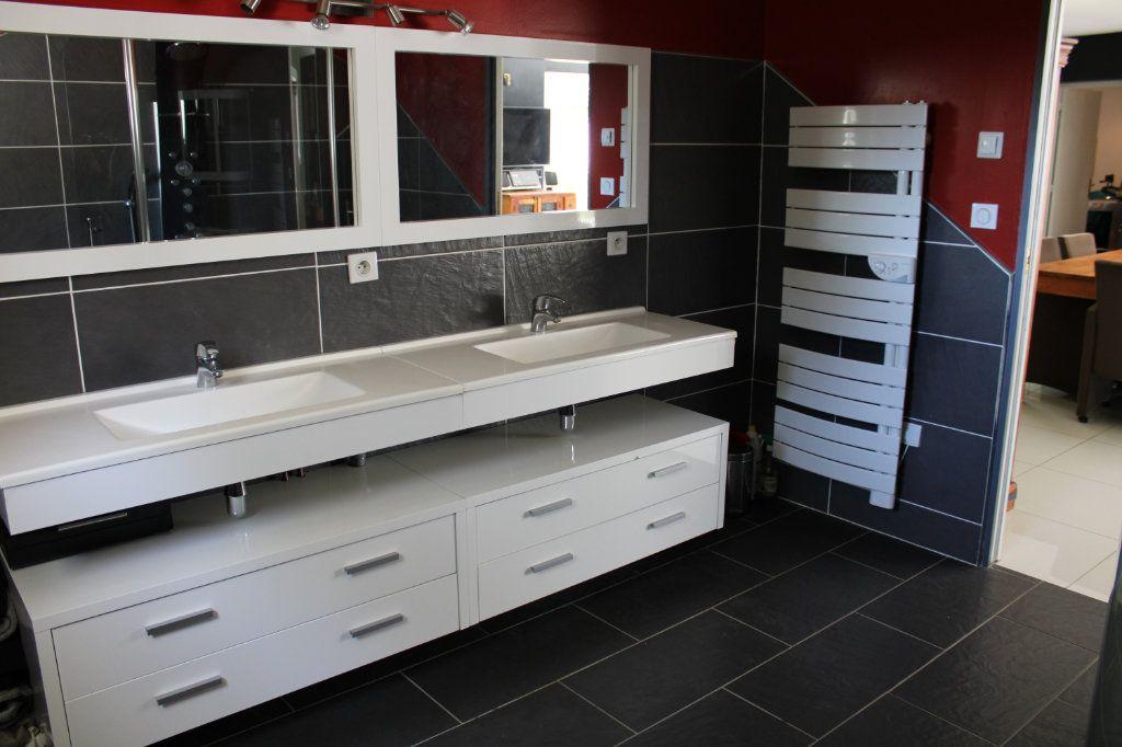 Maison à vendre 4 128m2 à Bourcefranc-le-Chapus vignette-7