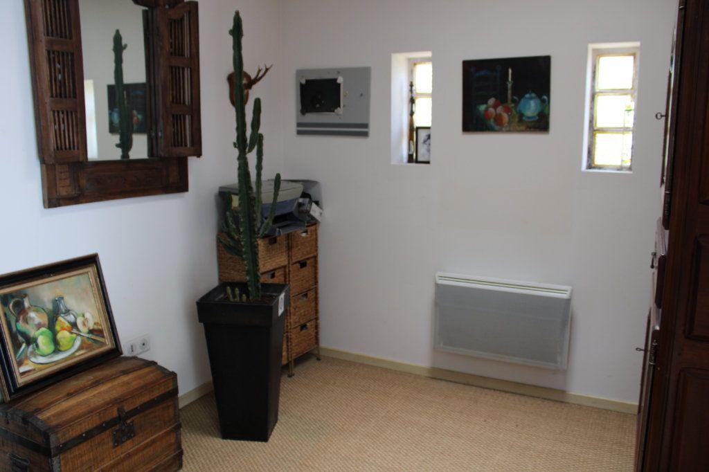 Maison à vendre 4 128m2 à Bourcefranc-le-Chapus vignette-8