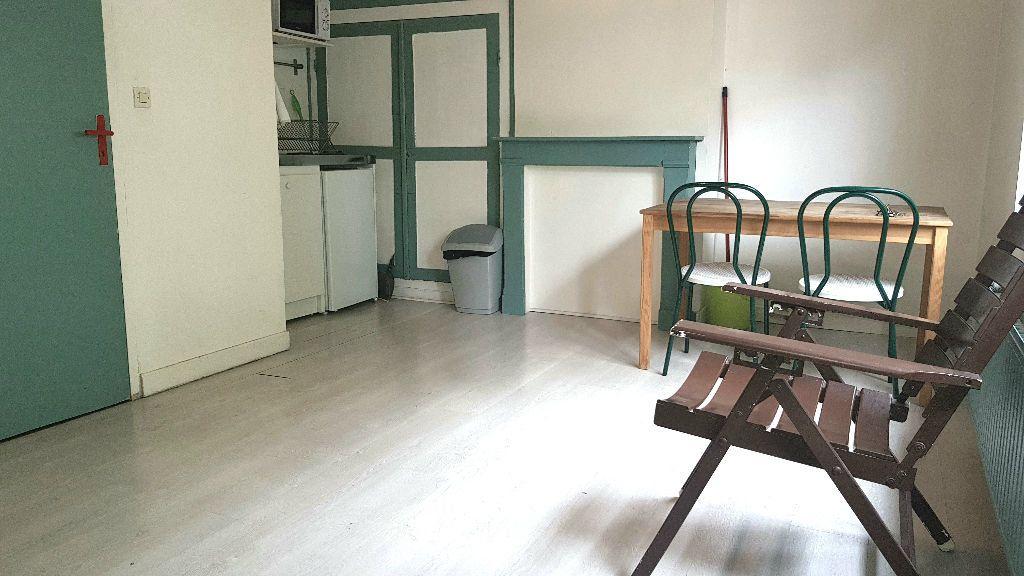 Appartement à louer 1 20m2 à Lille vignette-1