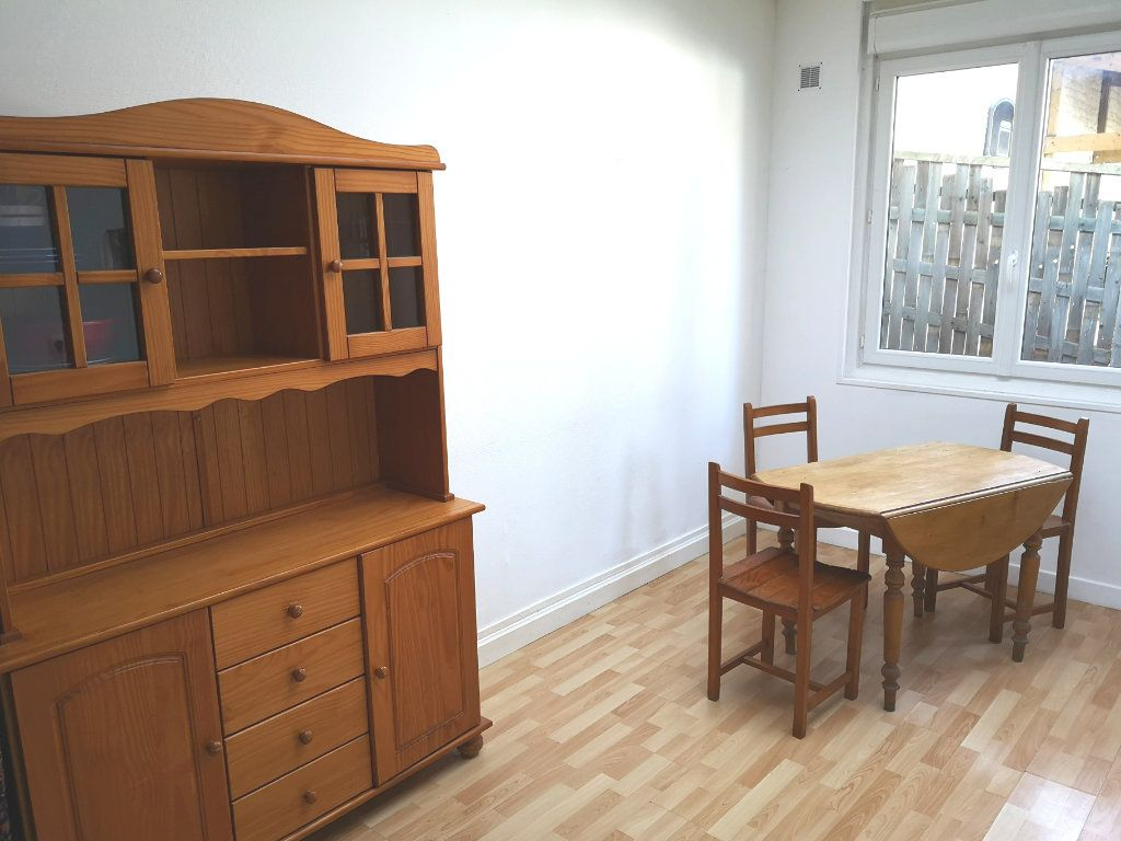 Appartement à louer 1 32.42m2 à Lille vignette-5