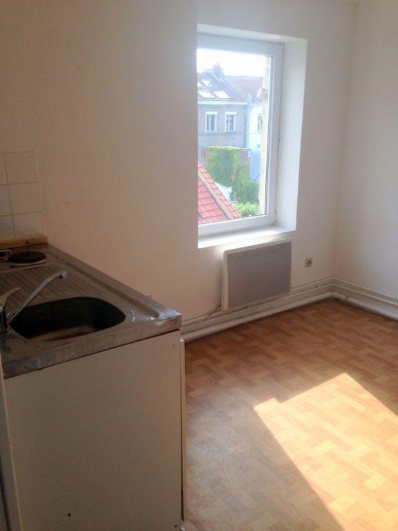 Appartement à louer 1 11.75m2 à Lille vignette-3