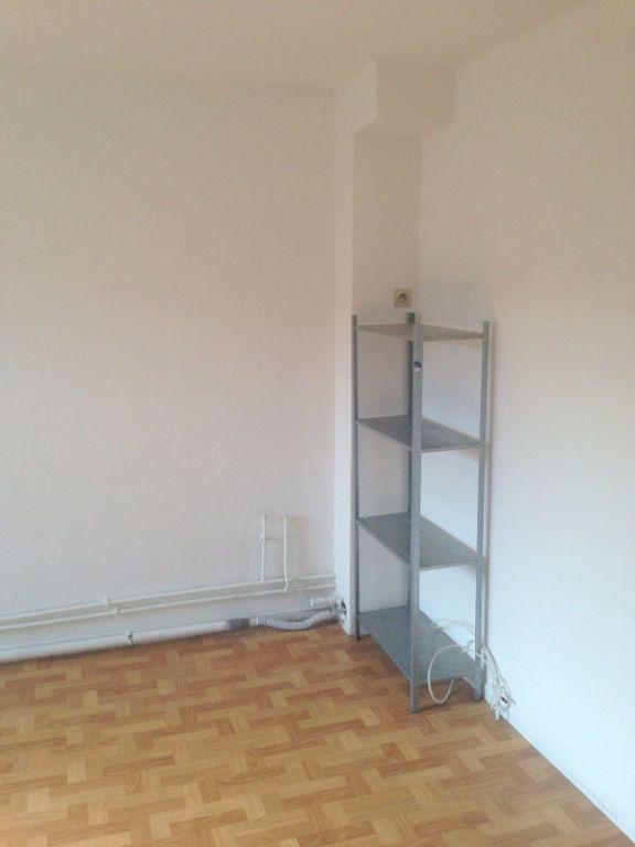 Appartement à louer 1 11.75m2 à Lille vignette-4