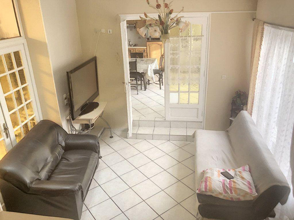 Maison à vendre 7 214m2 à Tourcoing vignette-2