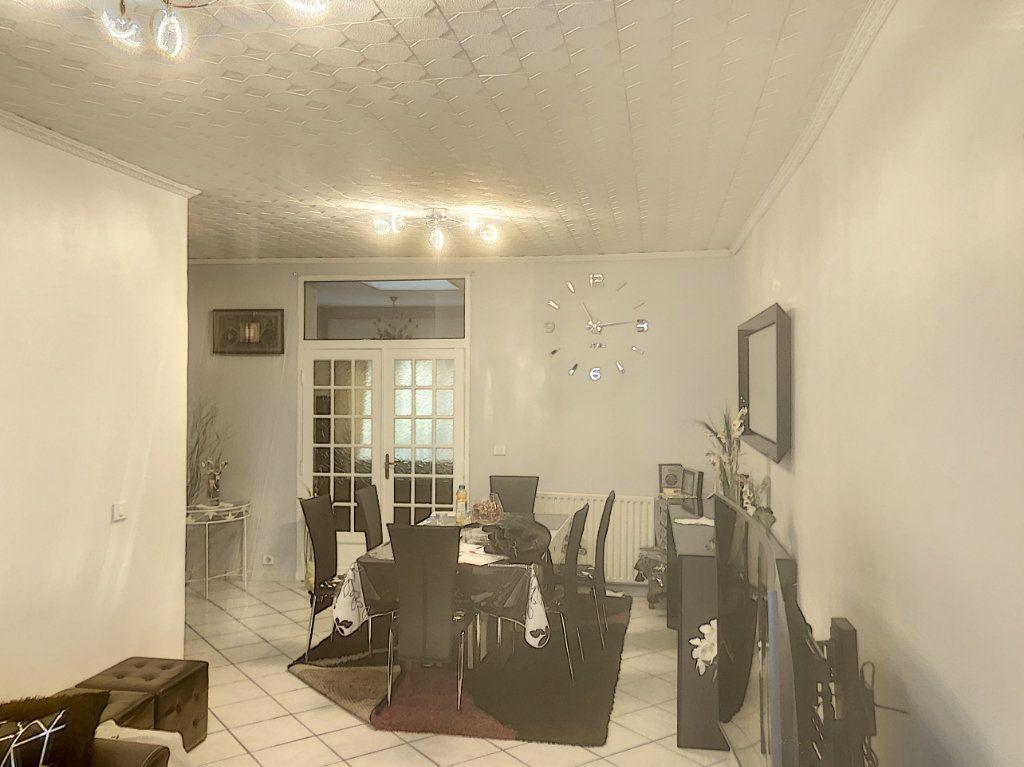 Maison à vendre 7 214m2 à Tourcoing vignette-4