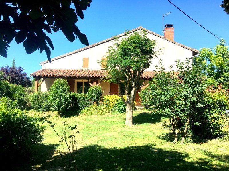 Maison à vendre 6 160m2 à Castelsarrasin vignette-1