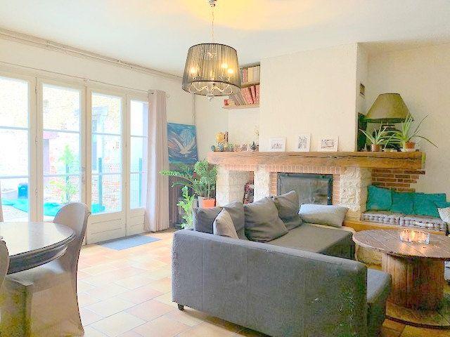 Maison à vendre 5 178m2 à Castelsarrasin vignette-1