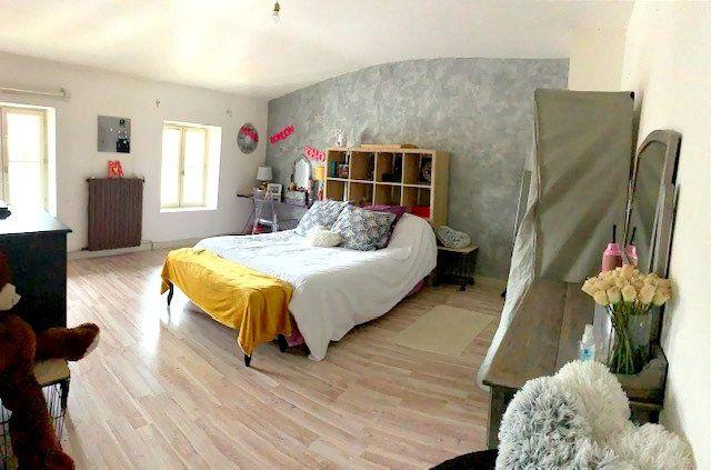 Maison à vendre 5 178m2 à Castelsarrasin vignette-11