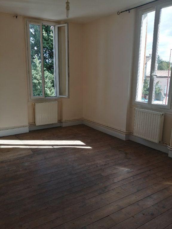 Appartement à louer 4 100m2 à Castelsarrasin vignette-3