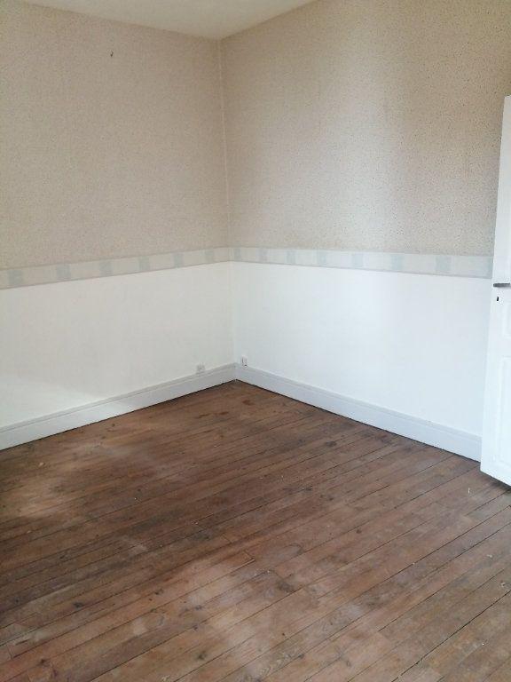 Appartement à louer 4 100m2 à Castelsarrasin vignette-5
