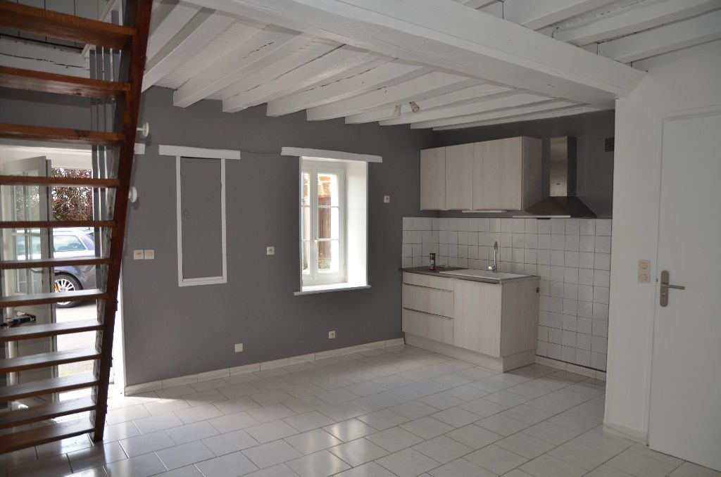 Maison à louer 2 30m2 à Saint-Langis-lès-Mortagne vignette-1