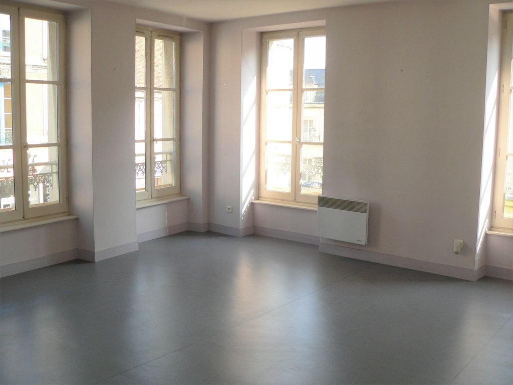Appartement à louer 2 43m2 à Mortagne-au-Perche vignette-1