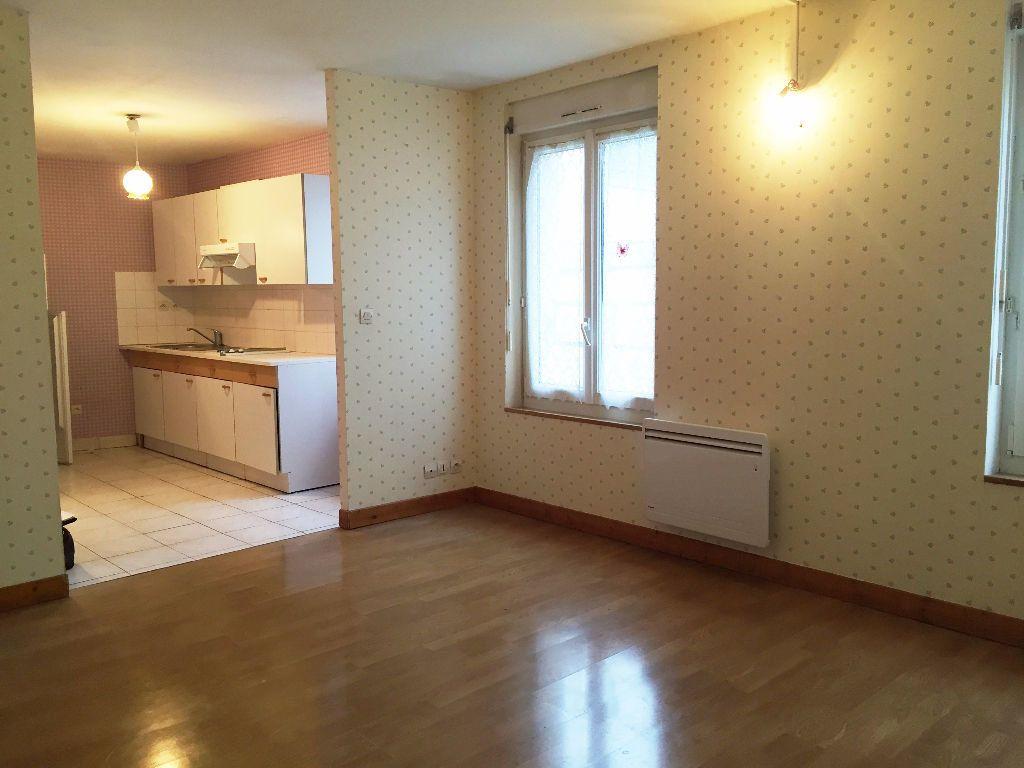 Appartement à louer 3 52m2 à Mortagne-au-Perche vignette-1
