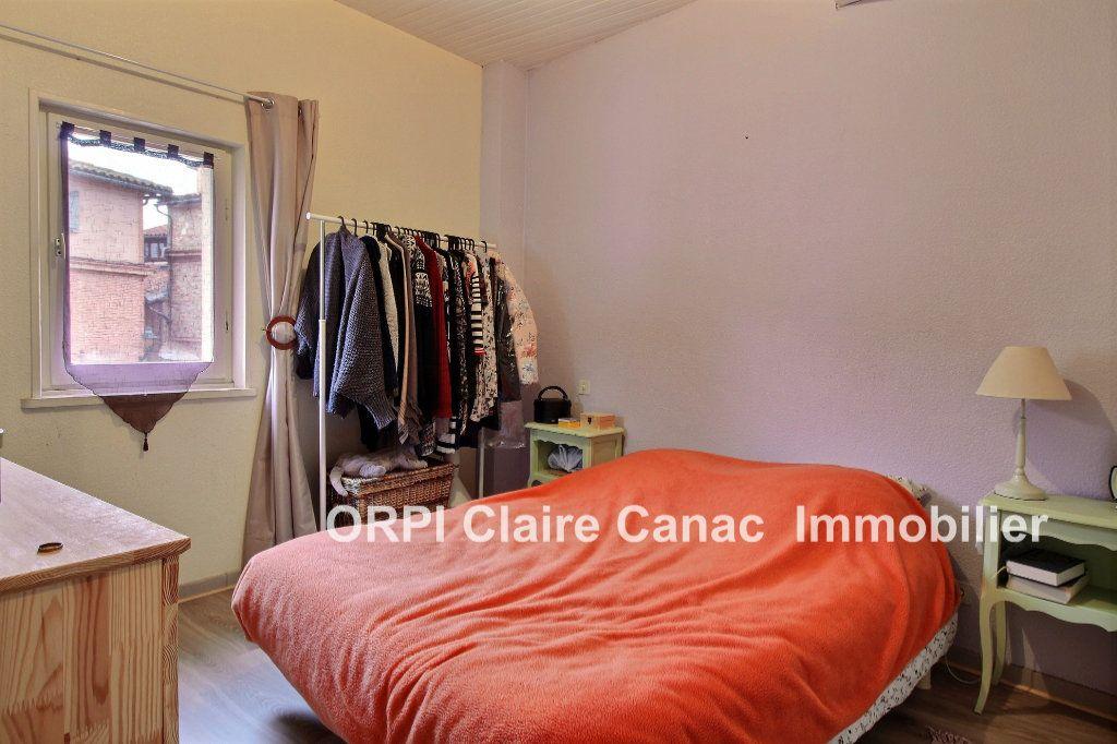 Maison à louer 3 100m2 à Lavaur vignette-6