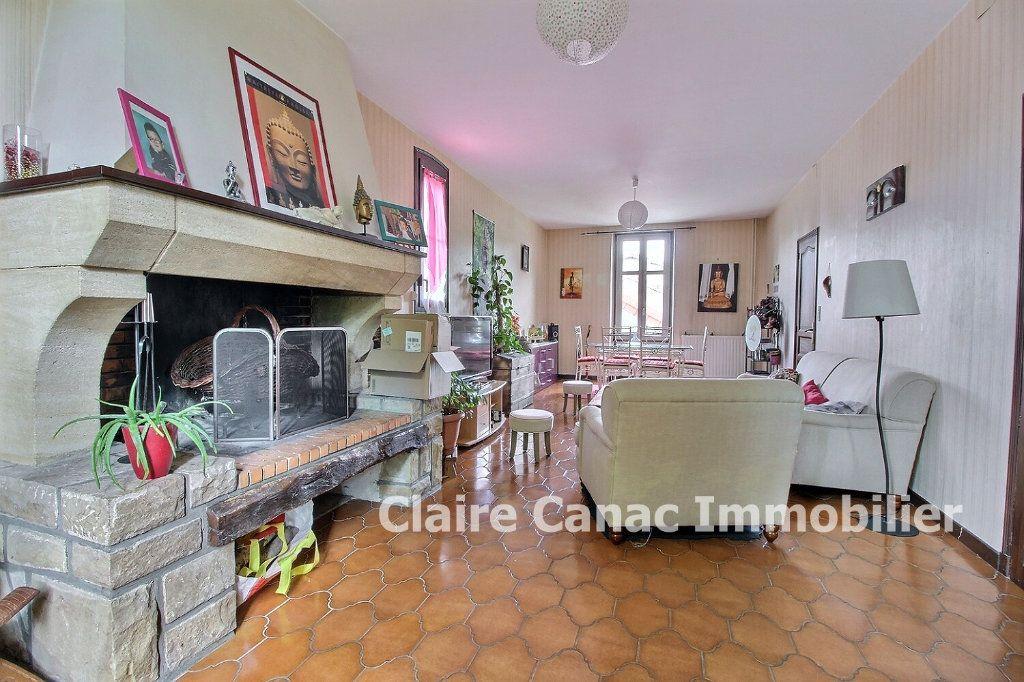 Maison à louer 5 116m2 à Lavaur vignette-2