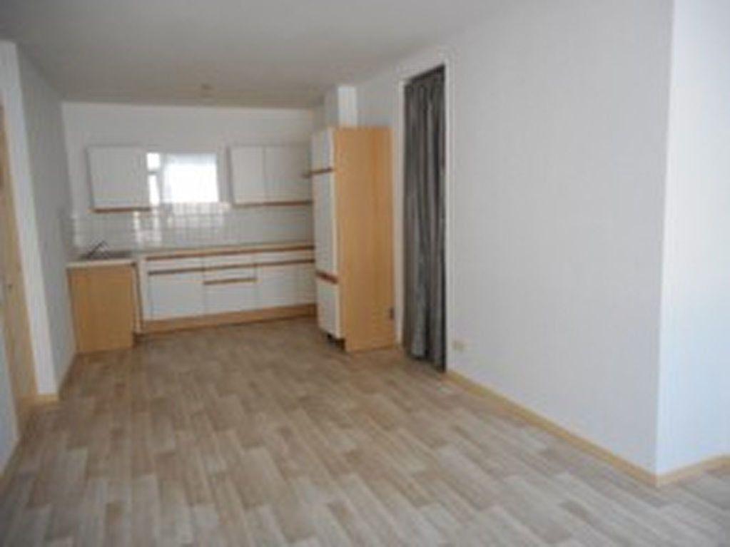 Appartement à louer 2 42m2 à Mazamet vignette-1