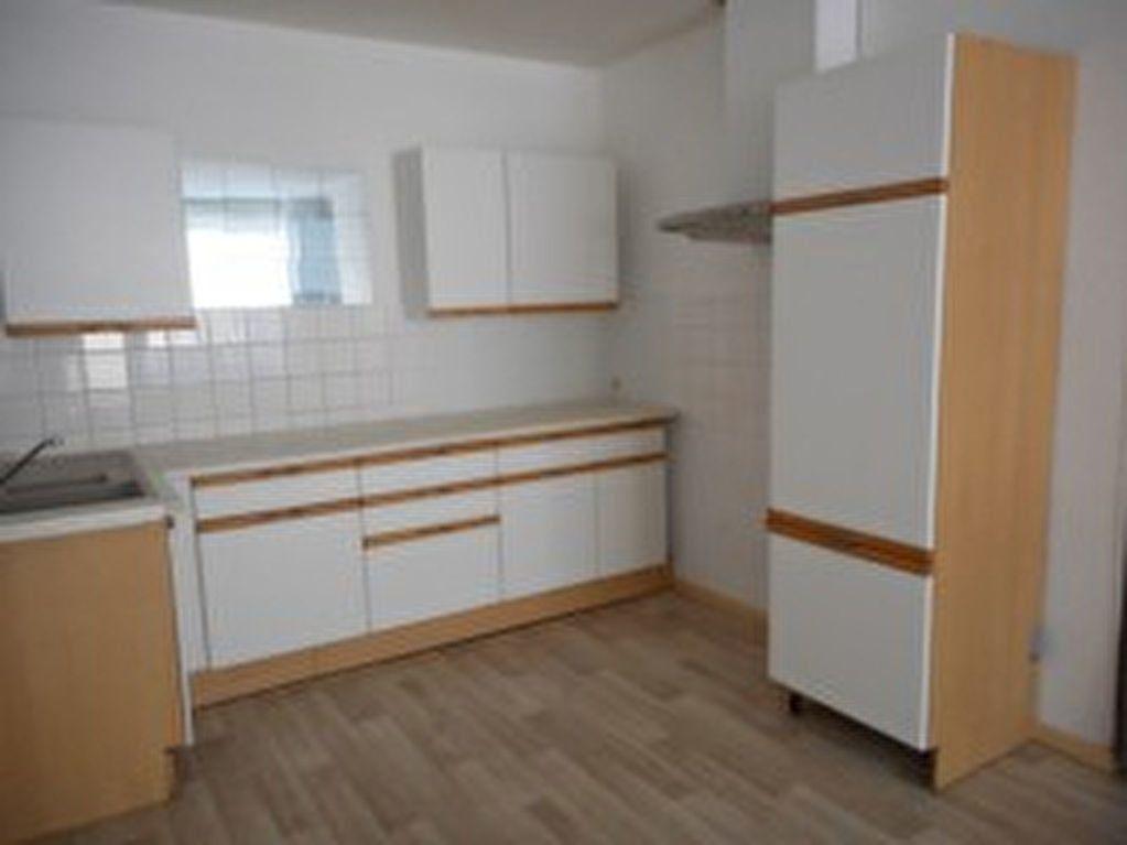 Appartement à louer 2 42m2 à Mazamet vignette-2