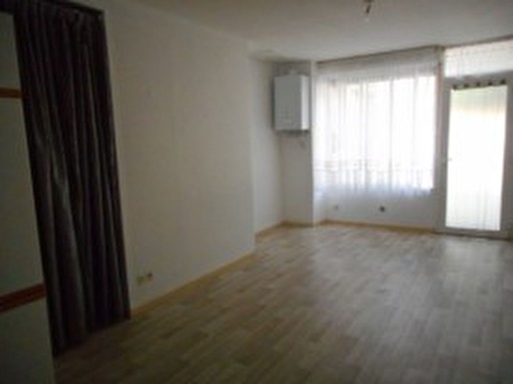 Appartement à louer 2 42m2 à Mazamet vignette-4