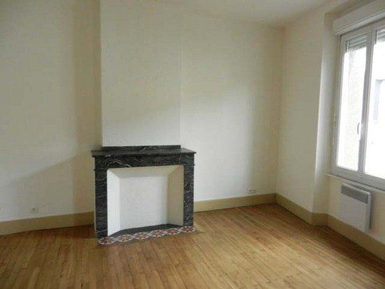 Appartement à louer 2 50m2 à Mazamet vignette-1