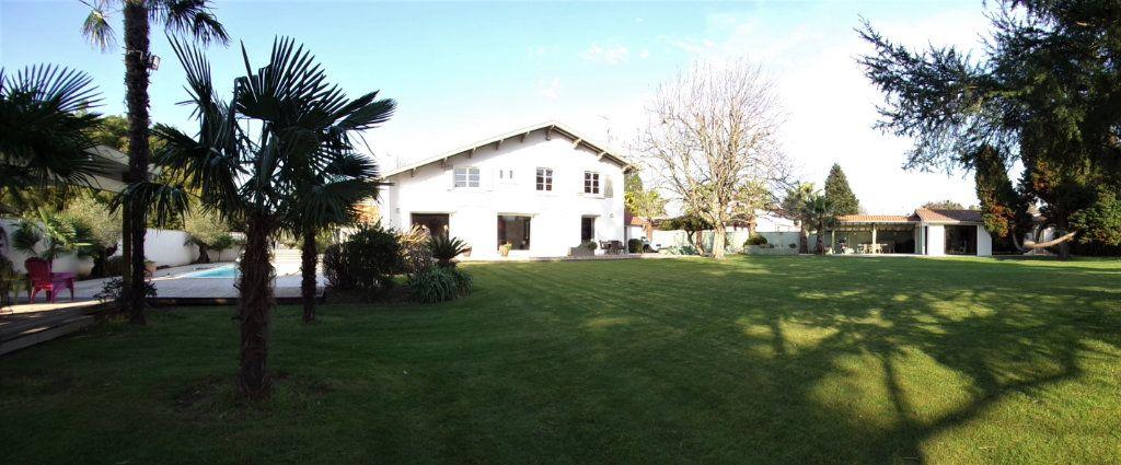 Maison à vendre 6 215m2 à Biarritz vignette-4
