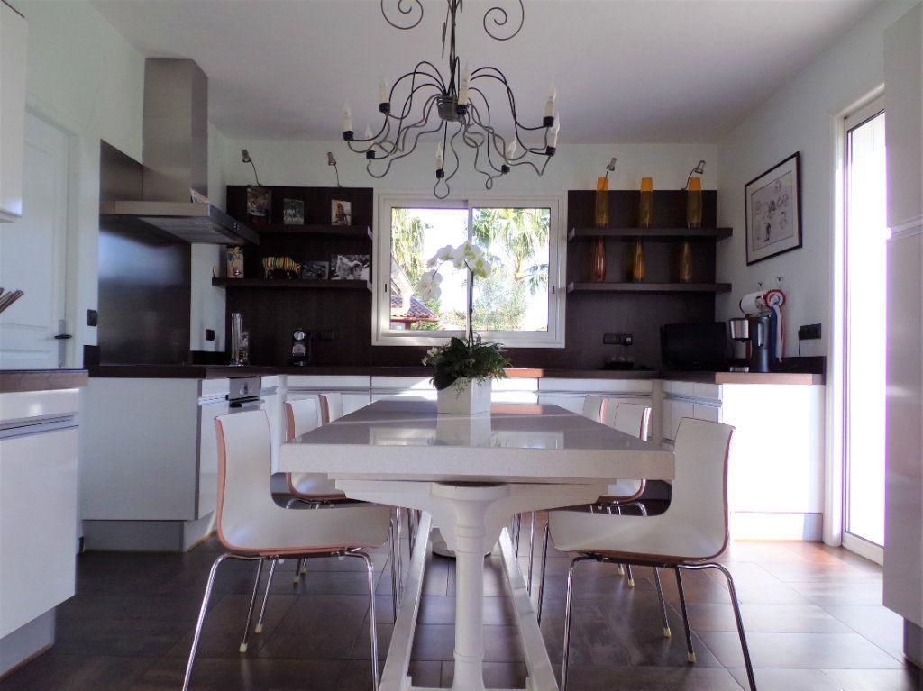 Maison à vendre 6 215m2 à Biarritz vignette-6
