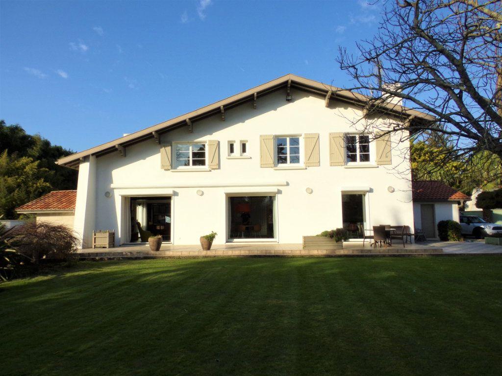 Maison à vendre 6 215m2 à Biarritz vignette-9