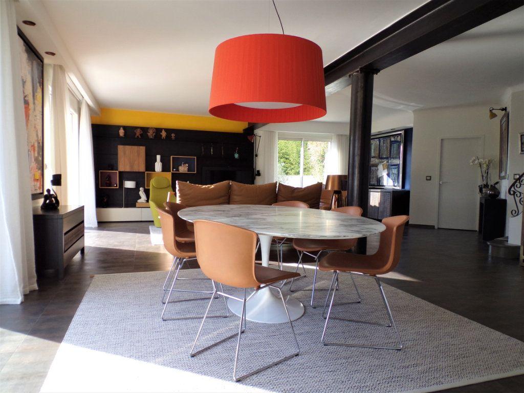 Maison à vendre 6 215m2 à Biarritz vignette-17