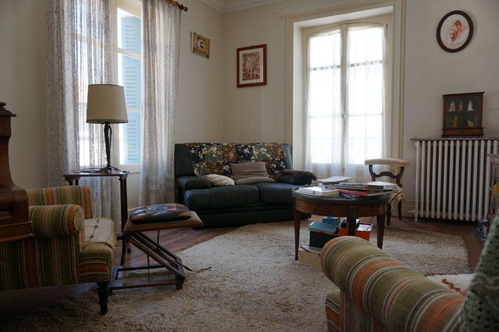 Appartement à vendre 5 138.9m2 à Biarritz vignette-2