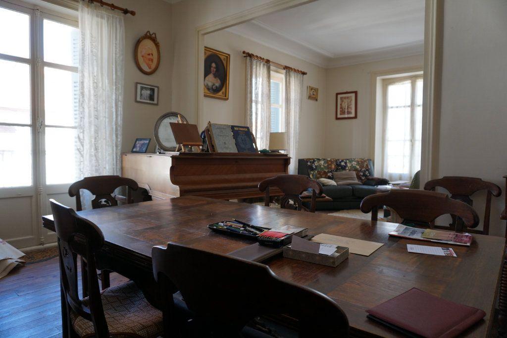 Appartement à vendre 5 138.9m2 à Biarritz vignette-3
