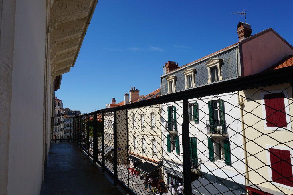 Appartement à vendre 5 138.9m2 à Biarritz vignette-8