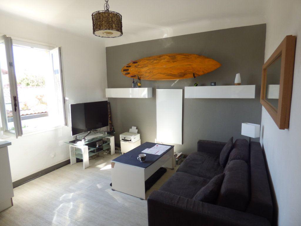 Appartement à vendre 2 35m2 à Biarritz vignette-4
