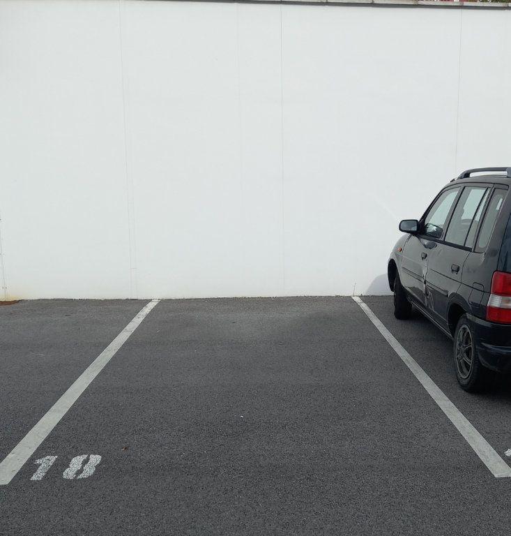 Stationnement à louer 0 0m2 à Saint-Pierre-d'Irube vignette-1
