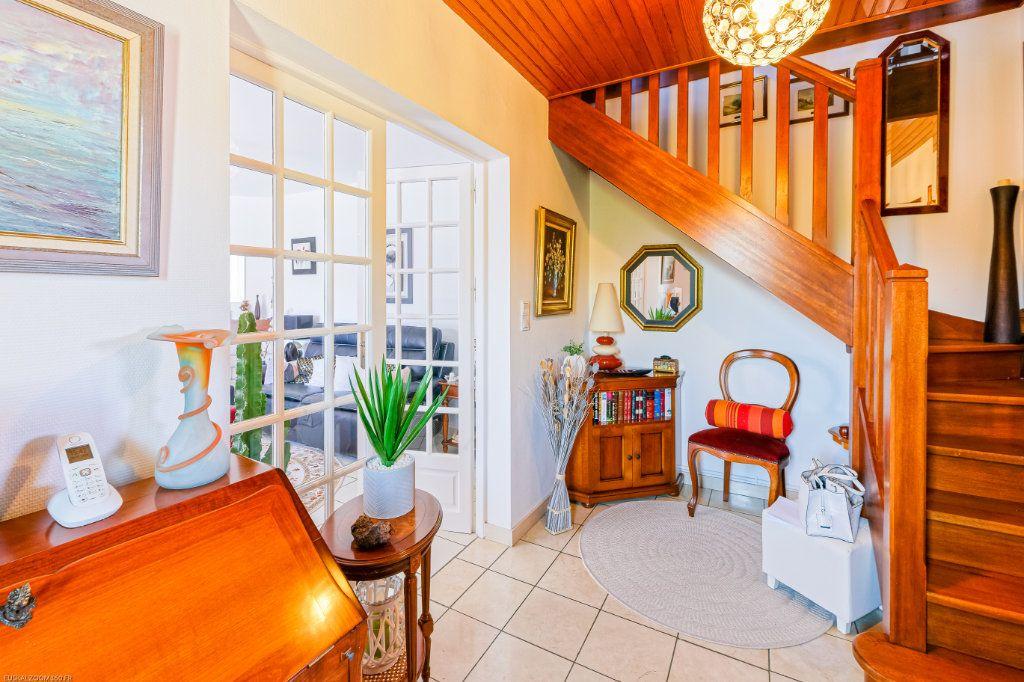 Maison à vendre 4 103m2 à Anglet vignette-3