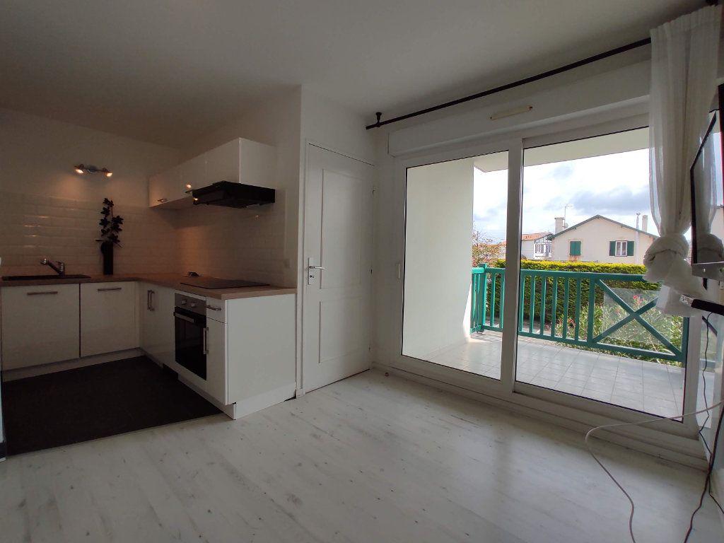 Appartement à louer 2 27.69m2 à Anglet vignette-6