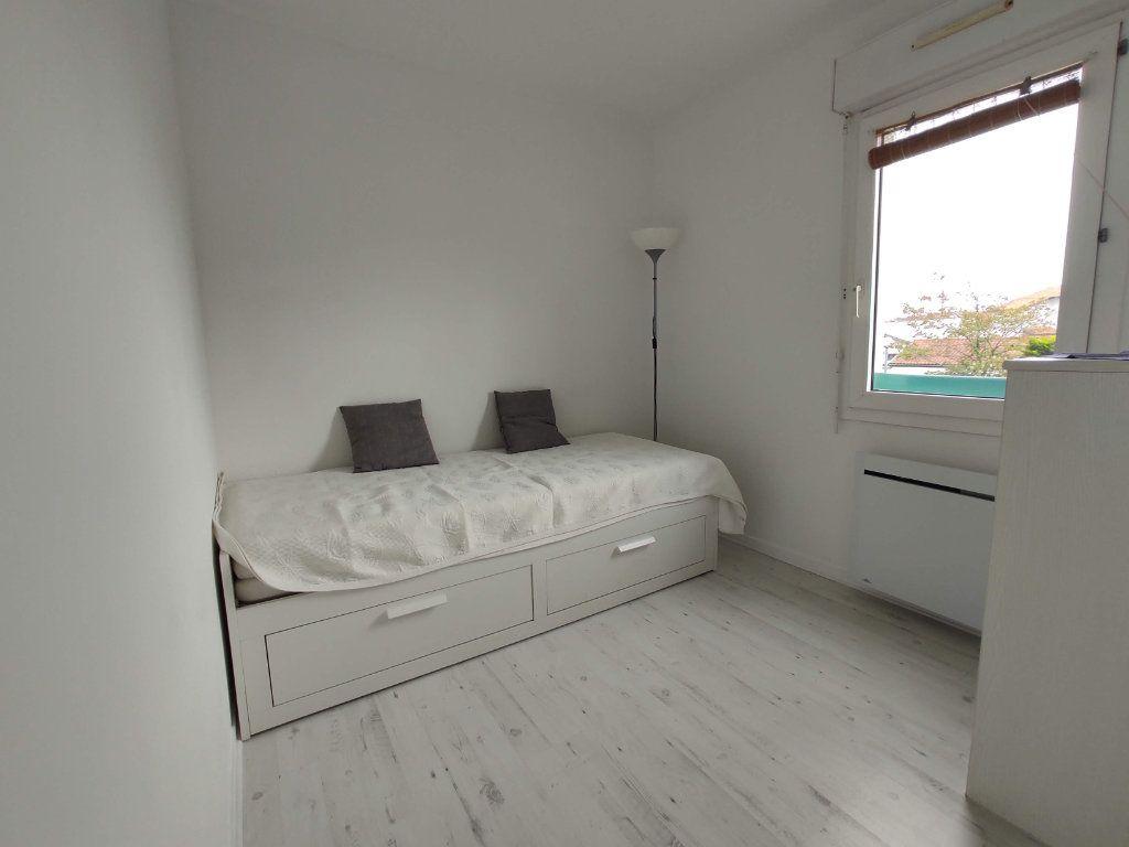 Appartement à louer 2 27.69m2 à Anglet vignette-7