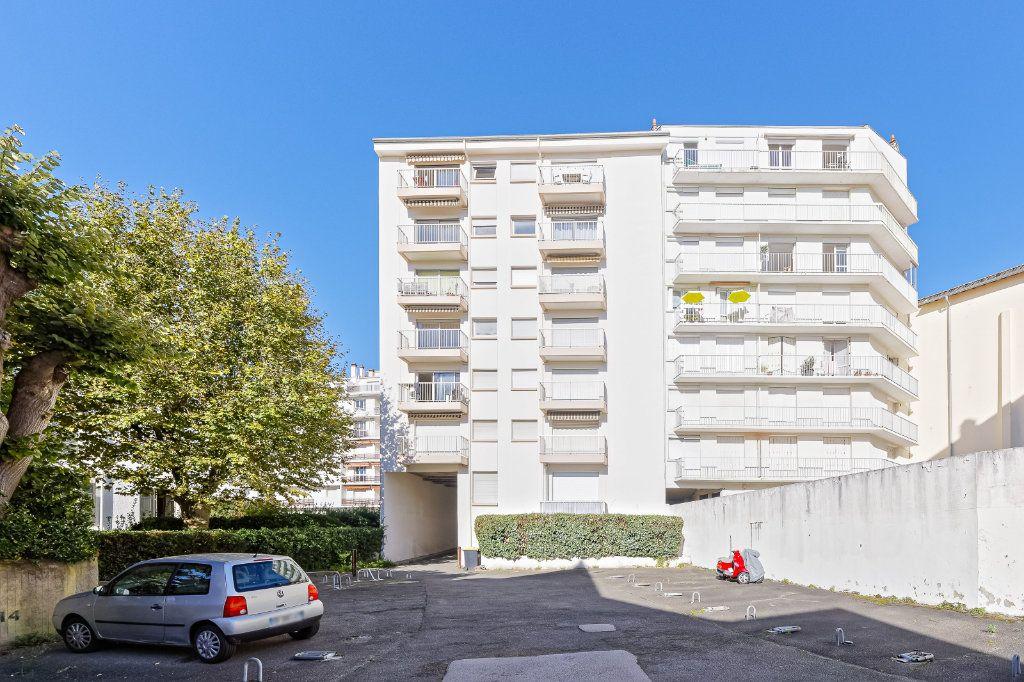 Appartement à louer 1 29.34m2 à Biarritz vignette-7