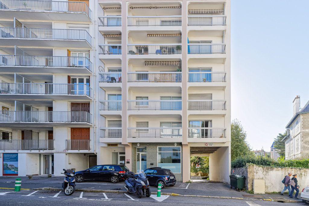 Appartement à louer 1 29.34m2 à Biarritz vignette-8