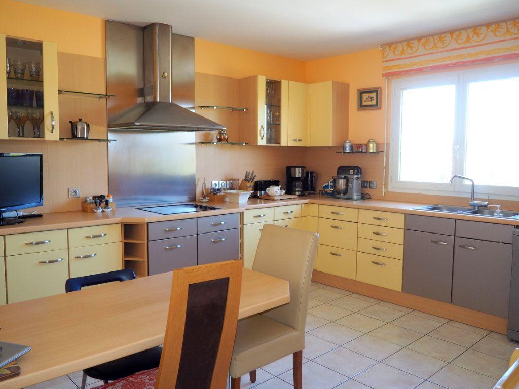 Maison à vendre 5 162m2 à Montivilliers vignette-6