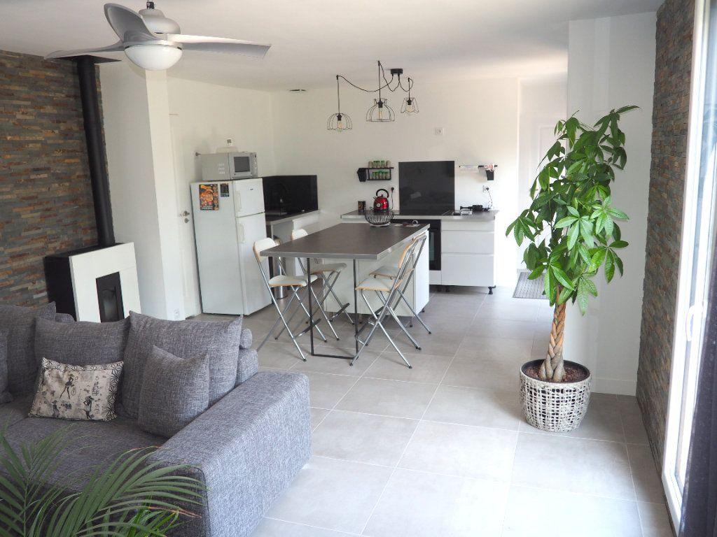 Maison à vendre 3 67m2 à Montivilliers vignette-4