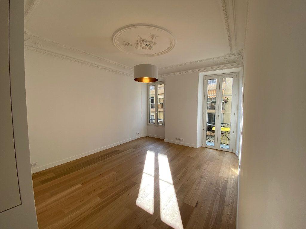 Appartement à vendre 4 70m2 à Nice vignette-1