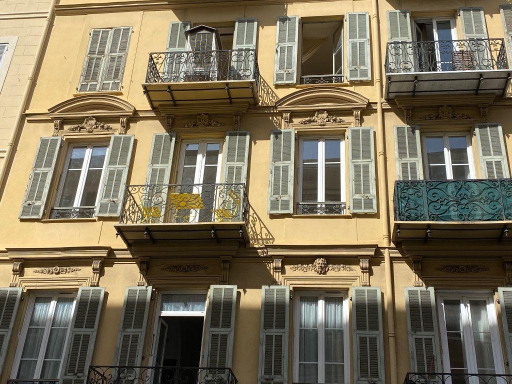 Appartement à vendre 4 70m2 à Nice vignette-2