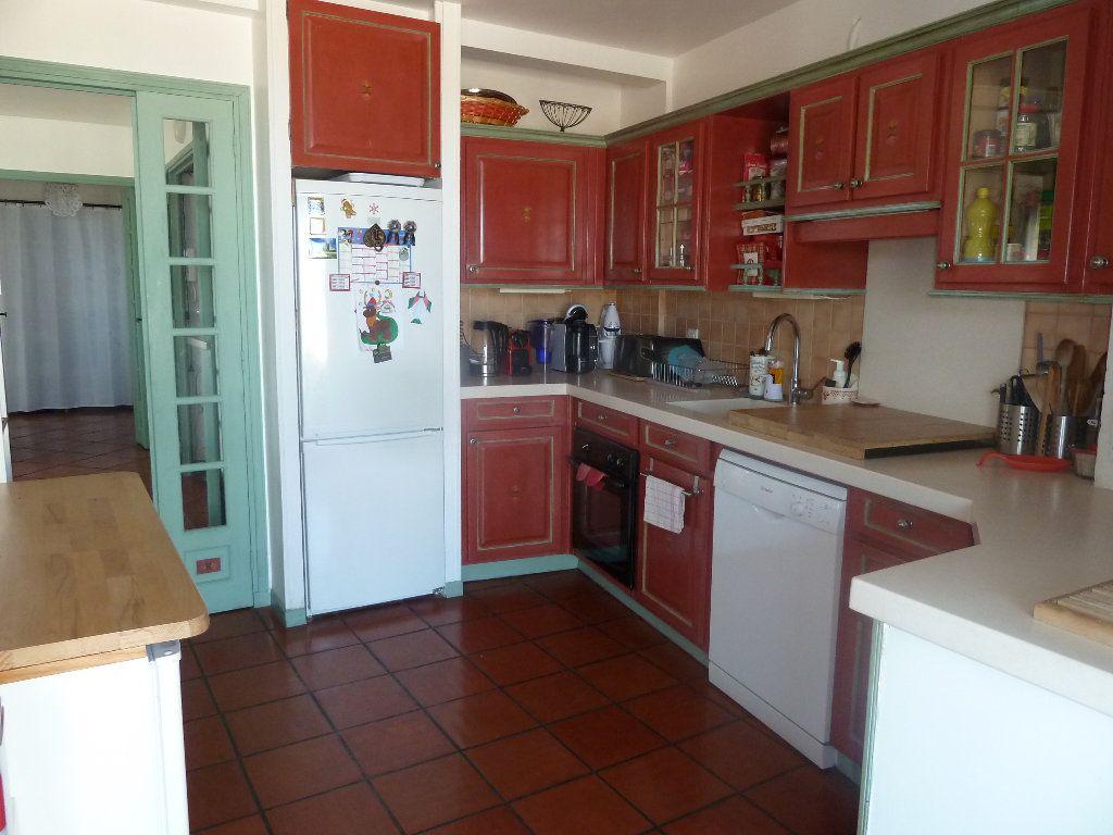 Appartement à vendre 4 117.53m2 à Vence vignette-11