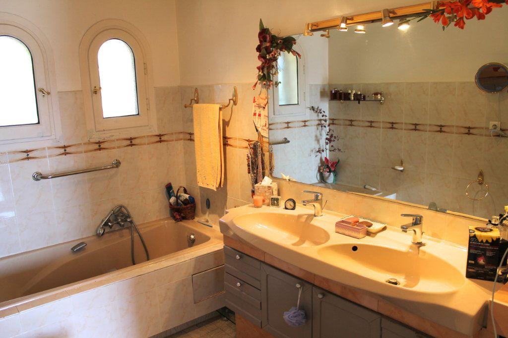 Maison à vendre 8 210m2 à Vence vignette-16
