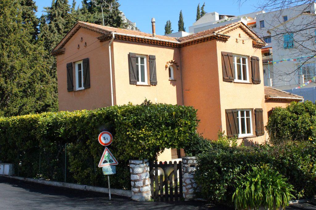 Maison à vendre 5 105m2 à Vence vignette-3